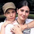 un couple de lesbiennes obligé de quitter sa cité de l'Essonne